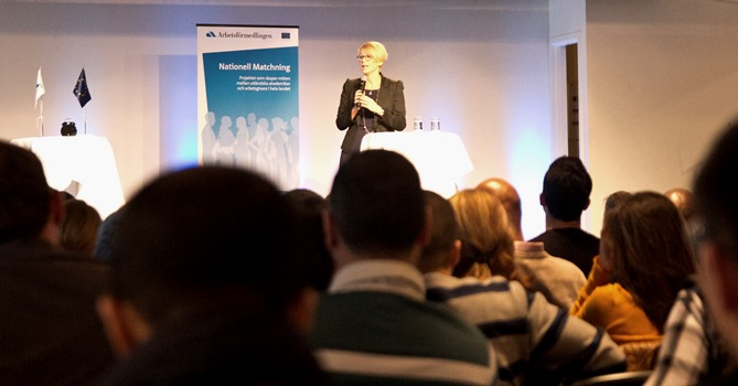 Elisabeth Svantesson (M), vår nya arbetsmarknadsminister, lyfte under sina scenminuter på rekryteringsmässan fram hur viktigt det är att ta tillvara på den arbetskraft och kompetens som finns bland utlandsfödda akademiker.