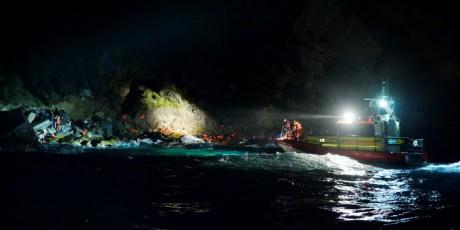 Larm med Gula Båtarna.  37 personer räddade varav 8 barn.