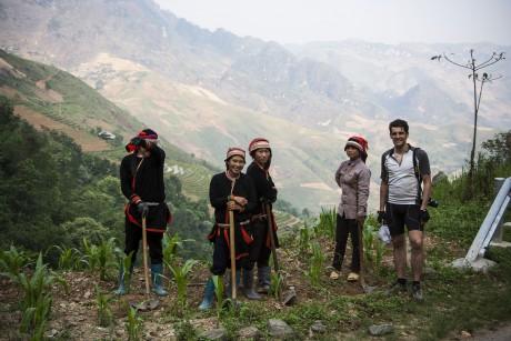 Albert Mola till höger, i norra Vietnam: Foto: Pol Fabrega